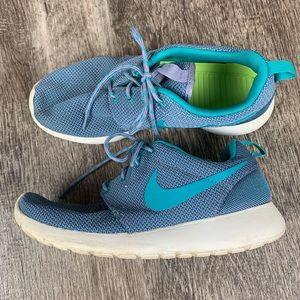 Nike Rosherun size 8.5
